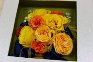 黄色とオレンジのブーケ